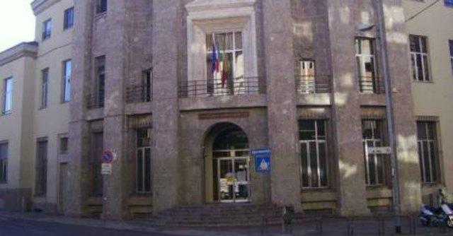 Bergamo, studente precipita dal quarto piano della scuola: è gravissimo