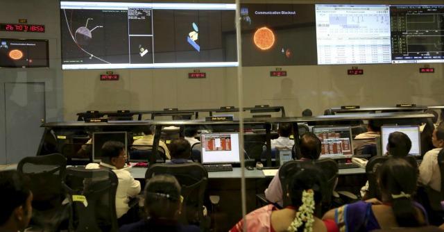 """Marte, la sonda indiana è nell'orbita. """"Missione costata meno del film Gravity"""""""