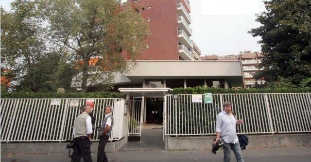 Milano, precipitano dal settimo piano di un palazzo: morti due ragazzi