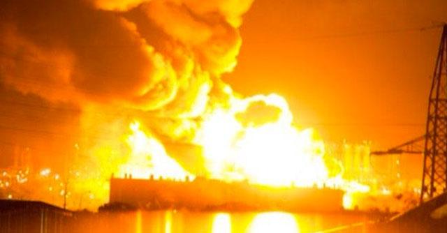 Milazzo, incendio nella raffineria. A fuoco un milione di litri di carburante