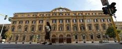 Spending review, Padoan taglierà 139 dirigentie chiuderà 10 sedi