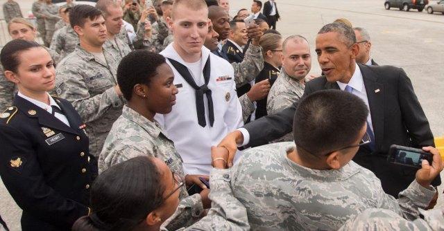 Isis, Obama incontra gli ufficiali militari per pianificare nuovi attacchi in Iraq e Siria
