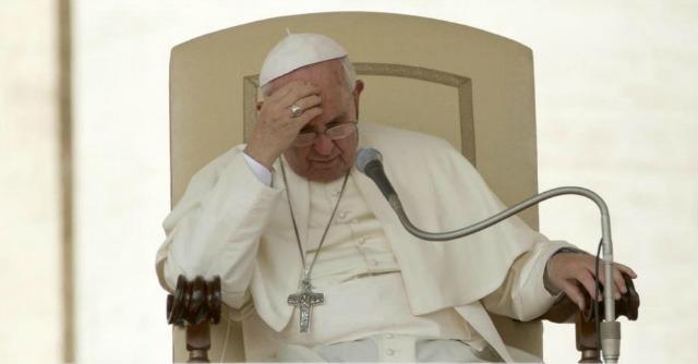 """Papa Francesco in Albania, """"paese che ha sofferto per un terribile regime ateo"""""""