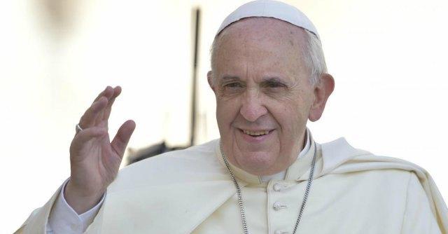 """Papa Francesco: """"Anche la Chiesa superi la diffidenza verso i migranti"""""""