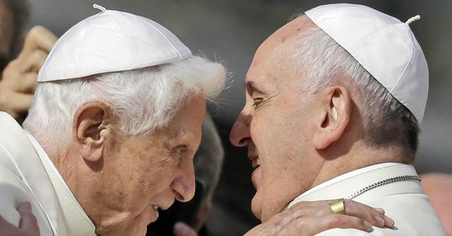 """Papa Francesco: """"La violenza sugli anziani è disumana come quella sui bambini"""""""
