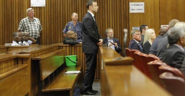 """Oscar Pistorius, rinviata la sentenza. Giudice: """"Non è omicidio volontario"""""""