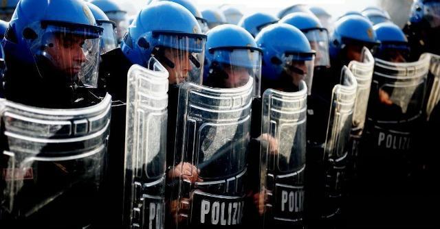 """Sciopero forze di polizia: """"15 anni di servizio e 1300 euro al mese"""""""