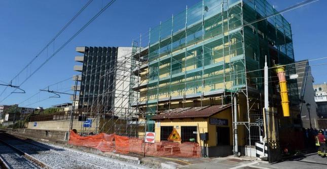 Crolla solaio di un edificio nel Napoletano, un morto e due feriti a Portici