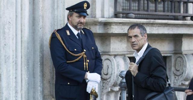 Cottarelli verso l'addio. Governo Renzi dà il benservito al commissario dei tagli