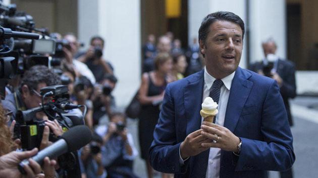 Matteo Renzi col gelato