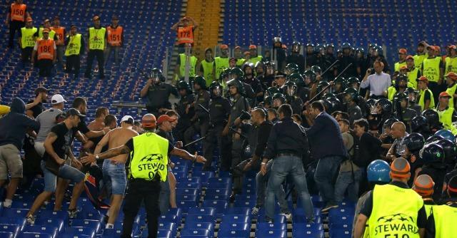 Roma – Cska Mosca: tafferugli fuori e dentro lo stadio. Un russo accoltellato