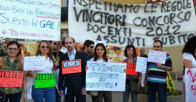 Scuola, Renzi contestato all'inaugurazione dell'anno nell'istituto Don Puglisi