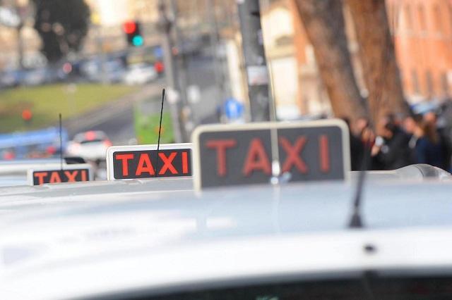 Uber, i tassisti ringraziano!