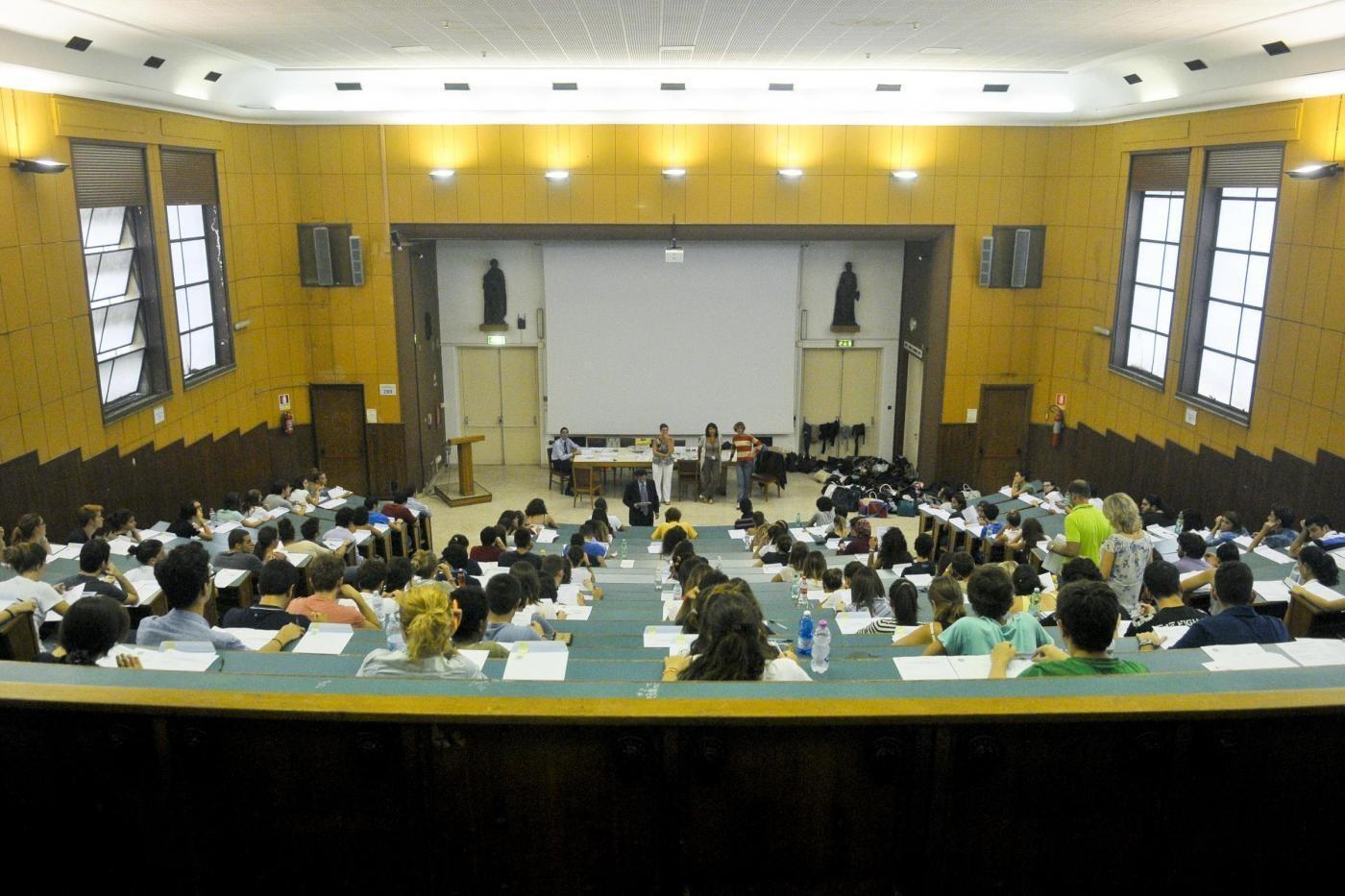 Test d'ingresso a Medicina addio? Aspetti normativi del diritto allo studio