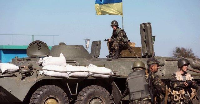 """Ucraina, telefonata Putin-Poroshenko: """"Soddisfatti, il cessate il fuoco regge"""""""
