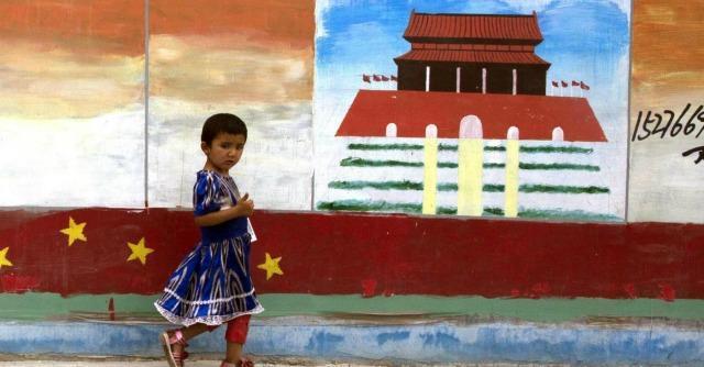 Cina, contro tensioni tra etnie nello Xinjiang incentivi ai matrimoni misti