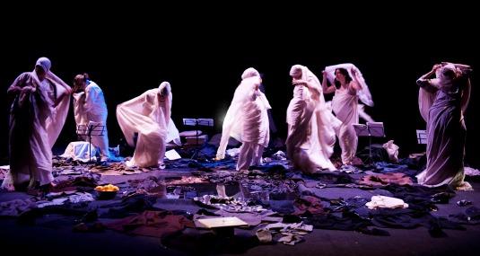 Femminismo a teatro un hammam che diventa una cassaforte di segreti il fatto quotidiano - Telecamera nascosta nel bagno delle donne ...