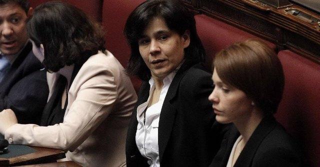 """M5s, Della Valle: """"Bechis? Sia espulsa"""". E Iannuzzi difende Occupy palco"""