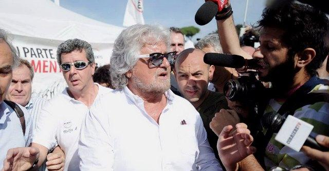"""M5S Circo Massimo, attivisti contro cronisti: """"Non vi vogliamo, siete renziani"""""""