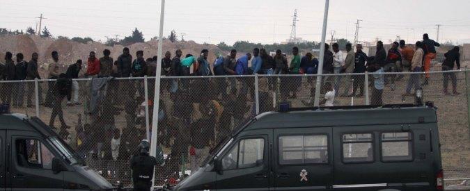 Migranti, le storie del Sahel raccontate sul filo spinato di Melilla