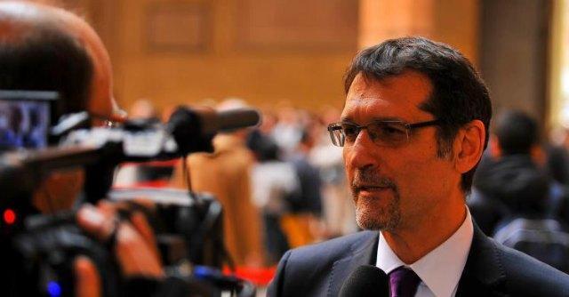 """Matrimoni gay, Merola vs Alfano: """"Annullare iscrizioni? Io non obbedisco"""""""