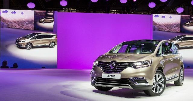 La Renault Espace diventa una crossover. 'La forma cambia, lo spirito innovatore no'