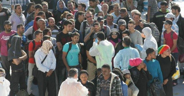"""Immigrati, Forza Nuova: """"Schedare gli albergatori che ospitano gli stranieri"""""""