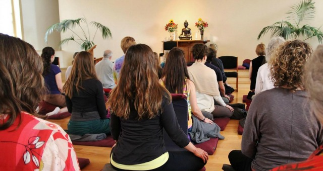 Ufficio Disegno Yoga : Yoga: linsegnante giusto per noi il fatto quotidiano