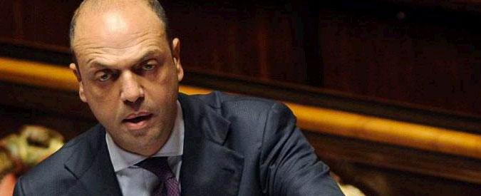 """Mafia, pentito: """"Alfano portato da Cosa Nostra. Berlusconi pedina di Dell'Utri"""""""
