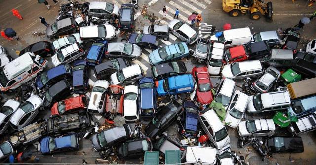 Alluvione Genova, bonus ai dirigenti rinviati a giudizio per il disastro del 2011