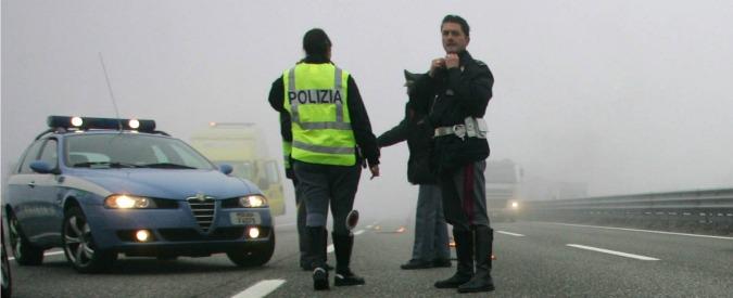 Sicurezza stradale, le dieci regole da seguire in caso di nebbia