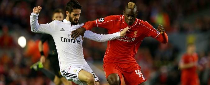 Balotelli scambia la maglia con Pepe al 45′: stampa e Liverpool lo processano