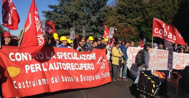 """Saie Bologna, al via salone edilizia: corteo di protesta per """"diritto alla casa"""""""