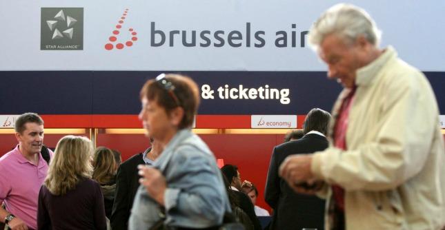 Belgio, dorme il pilota di Brussels Airlines: aereo intercettato in volo da caccia francese