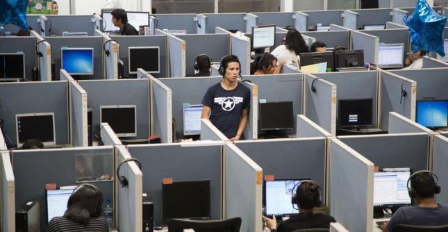 Call center, stop a telefonate mute: entra oggi in vigore il regolamento del Garante