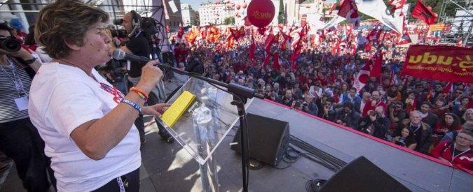 Cgil a Roma: 'Siamo un milione'. Camusso: 'No a Jobs Act'. Fischi a Renzi