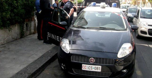 """Rimini, uccide la moglie a coltellate e poi si toglie la vita: """"Ha agito per gelosia"""""""