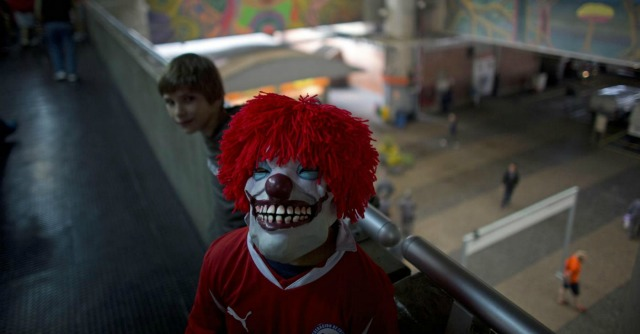 "Clown ""assassini"", studenti si inventano l'aggressione dopo un ritardo a scuola"