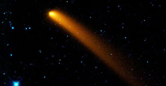 """Marte, cometa """"sfiorerà"""" il pianeta rosso. Aurore e pioggia di meteori"""