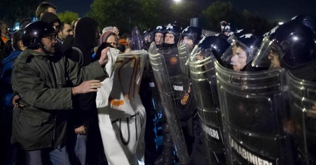 Torino, protesta facchini del Caat: scontri con polizia. Commerciante muore d'infarto