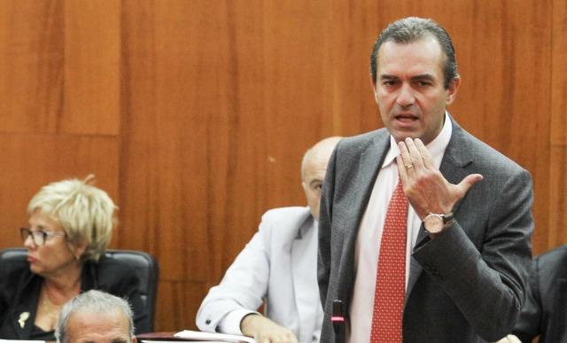 De Magistris: Alfano diventa ministro zelante
