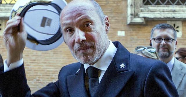 """Concordia, De Falco in Senato: """"Quella sera plateali disapprovazioni di un superiore"""""""