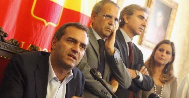 """Luigi de Magistris dopo la sospensione: """"L'Italia è una democrazia malata"""""""