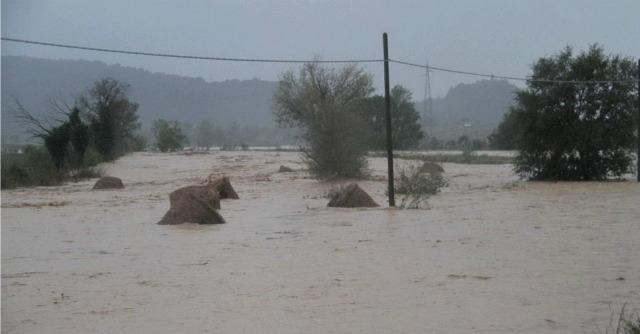 Esondazione Elsa, auto travolta dal torrente: due donne morte in Maremma