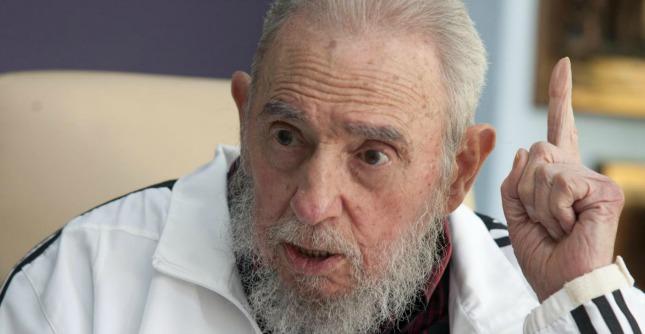 """Ebola, Fidel Castro: """"E' l'ora del dovere"""". Cuba aiuterà Usa nella lotta al contagio"""
