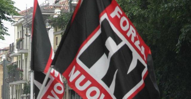 Bari, irruzione nella sede di Forza Nuova. Pestaggio con catene e bastoni: 4 feriti
