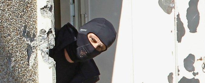 """Isis, allarme in Francia: """"Almeno 40mila detenuti sensibili a richiamo della jihad"""""""
