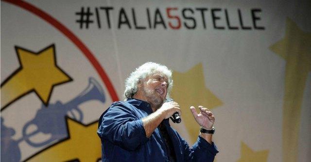 """M5S, Grillo: """"Voto su euro e reddito cittadinanza"""". Casaleggio: """"Noi tra gente"""""""