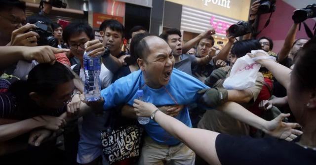 """Hong Kong, Sophia Chan: """"Il movimento è diviso, non tutti sono con gli studenti"""""""