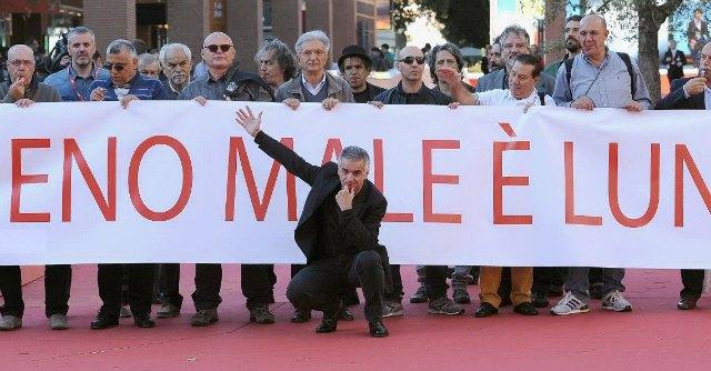 Festival di Roma 2014, con Meno male è lunedì sfila un corteo di detenuti-attori